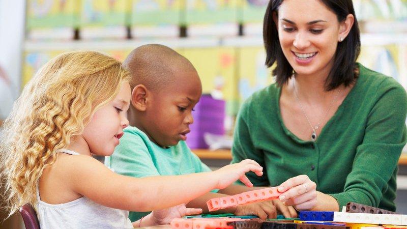 Perbedaan kasih sayang dari pengajar